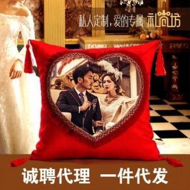 厂家直销欧式抱枕定制情人节心形蕾丝花边婚庆礼品沙发吊穗靠垫